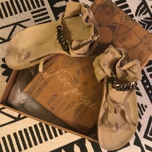 Free people sandals size 37